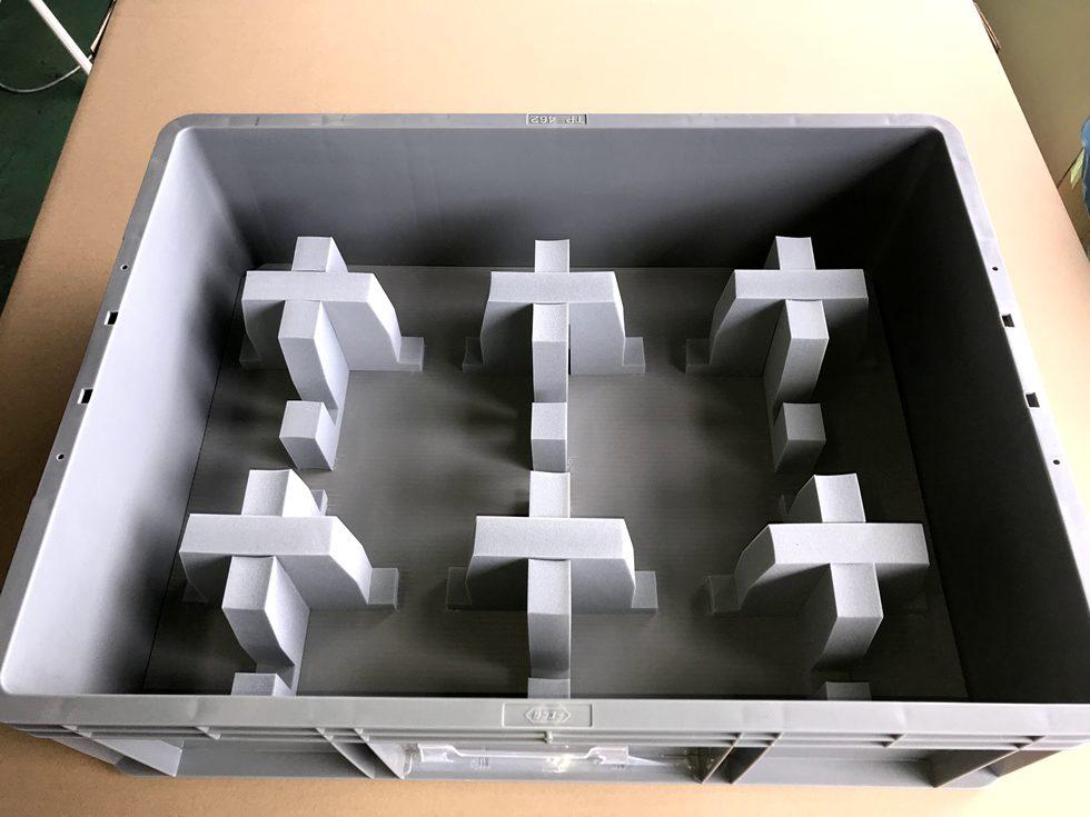 自動車部品 通い箱内装材